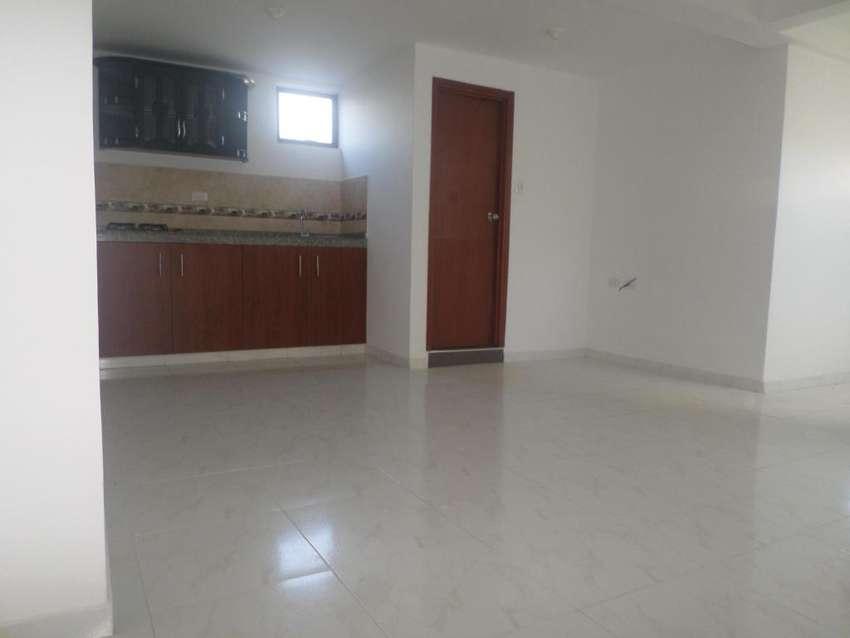 vendo apartamento moderno en la esmeralda 2 piso 0