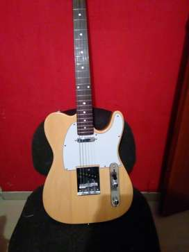Vendo guitarra eléctrica Telecaster, o cambio por electroacústica