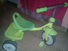 Vendo triciclo infantil extrutura de hierro