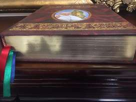 Hermosa Sagradas Biblias familiares exelente compania en su hogar
