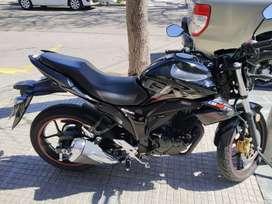 Vendo o permuto moto suzuki impecable por auto