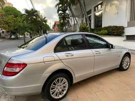 Mercedes Benz C180 CGI blue efficiency impecable
