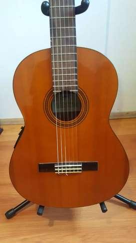 Guitarra yamaha CG110