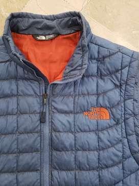 Chaleco de plumas The North Face talla S - Con 60% de descuento - Para usar  con chaqueta impermeable o solo