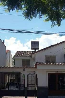 Vendo Duplex en Salta. Parque Belgrano. Cerca de Universidades. Y ciudad judicial. Con 2 locales comerciales.