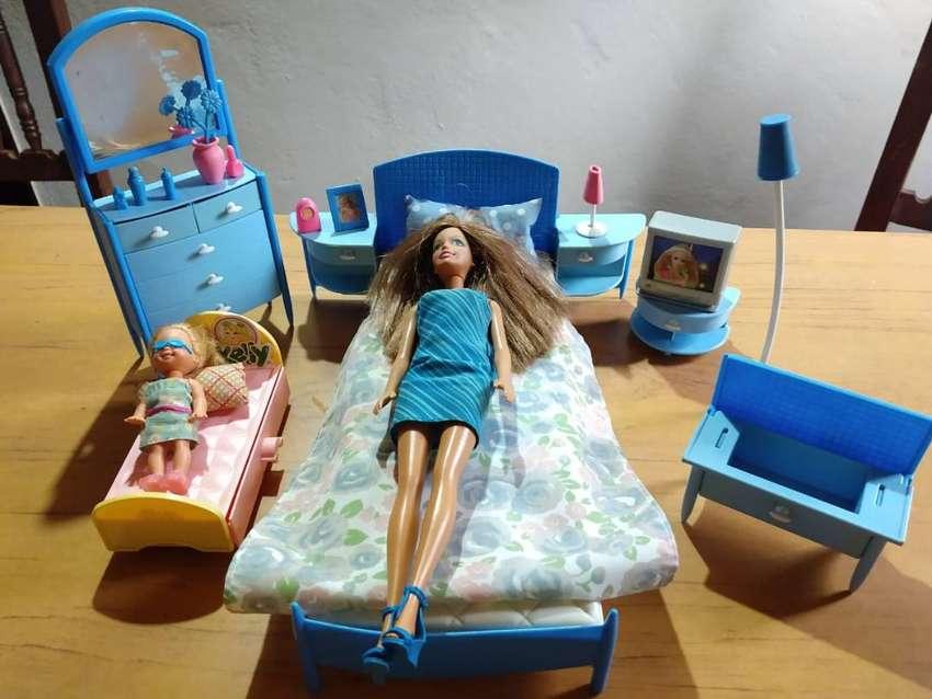 Juego Dormitorio Barbie con Accesorios +Camita y Coche de Kelly. ORIGINAL -Usado-(No Incluye Muñecas)