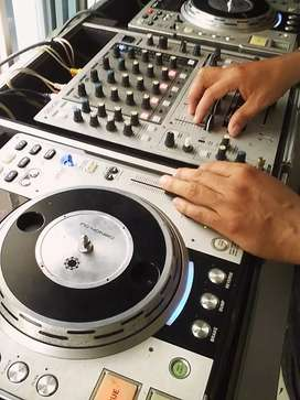 Se graban audios publicitarios  para tu negocios con música de fondo