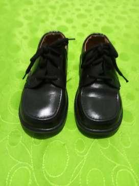 Zapato colegial usado talla 28_29