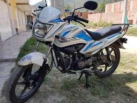 Se vende moto esplendor nxg