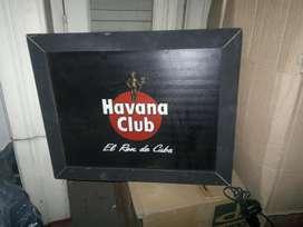 Cartel luminoso Havana Club.