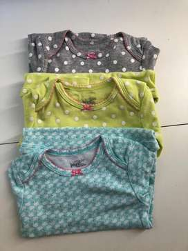 Body Carters NUEVO Talle 9 meses