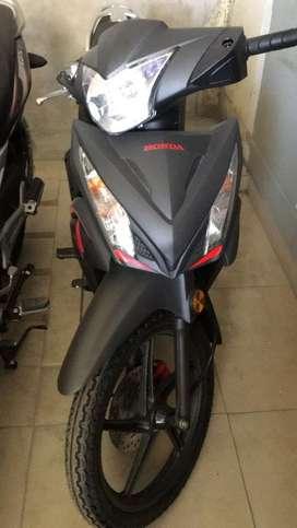 Vendo moto lineal Honda nueva
