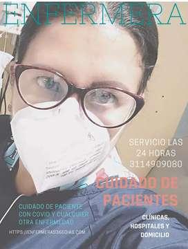 Enfermera Jefe dedicada al cuidado de pacientes