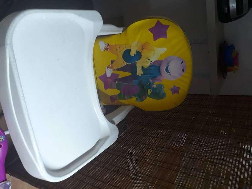 Vendo comedor para bebes desde 6 meses hasta 3 años en madrid! 0
