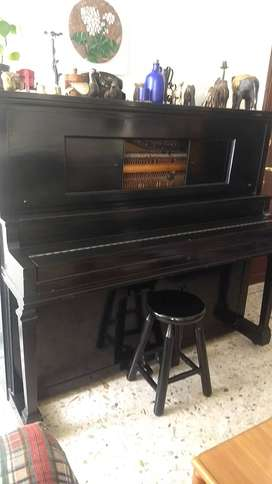 Piano antiguo AEOLIAN