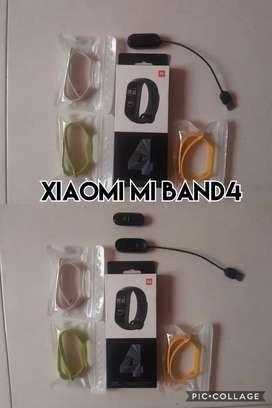 Xiaomi amazfit mi band 4 con bandas y adicionales
