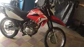 Vendo moto honda XR150