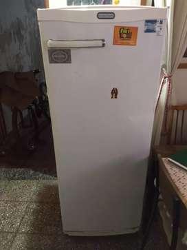 Heladera standard eléctric con congelador