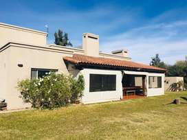 Vendo casa en Santa Apolonia