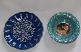 2 platos para colgar pintados a mano, 16 y 13 cm