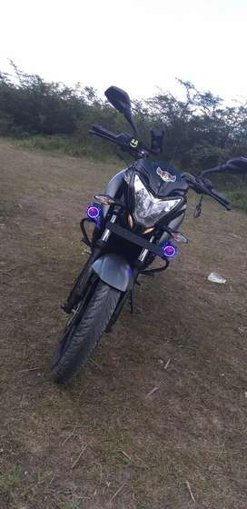 Vendo moto pulsar ns 200 fi  ABS