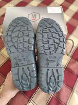 Zapatos de punta de acero
