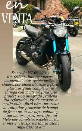 MT09 2014 Moto