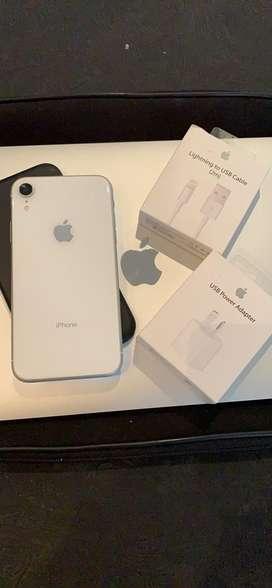 Oferta! Iphone XR de 64 gb Blanco con 87% de bateria! Igual a nuevo!