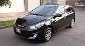 Hyundai Accent Hachtback 2014 Mecánico dual GLP