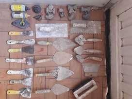 palustres, espátulas, llanas, plomadas y marcador de nivel