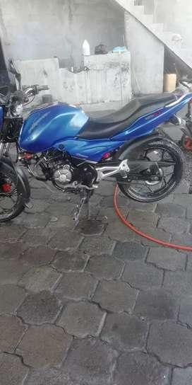 Vendo mi moto discover st 125