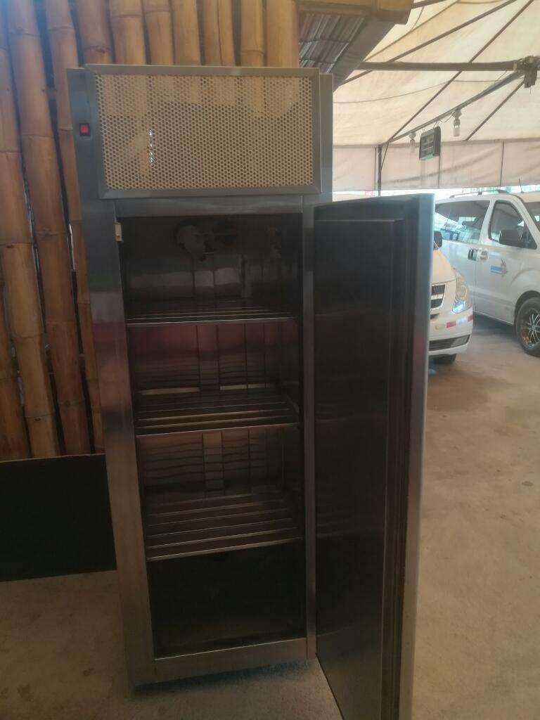 Venta Refrigerador en Acero Inoxidable 0