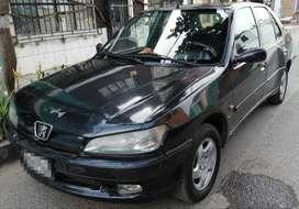 Se Vende Peugeot 1998. Automático. Aros, piso y asientos originales. 145milKm. Gasolinero. Uso particular