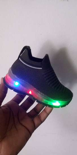 Zapatillas con luces y patin