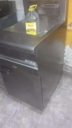Vendo fritera automatica 30 litro morelli usada sin canasto