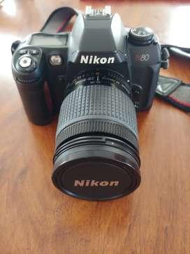 Cámara Nikon N80