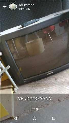 VENDO YAAA!! ($1400) NEGOCIABLE TV PHILIPS PANTALLA GRANDE CON CONTROL REMOTO EXCELENTE ESTADO USADO
