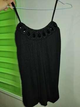 Blusa de tiras con detalles color negra Talla S