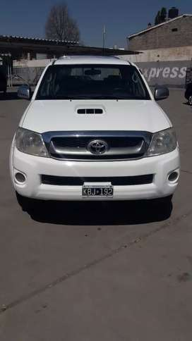 Toyota Hilux SRV  4X4 IMPECABLE