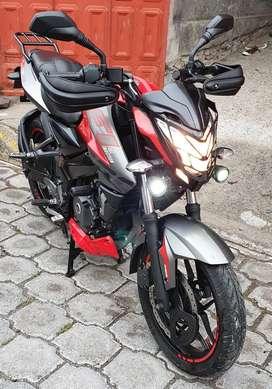 Vendo hermosa moto pulsar ns 200 FI con freno ABS