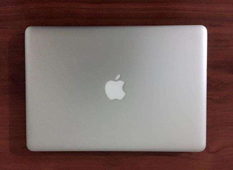 Macbook pro 500gb 4ram 0