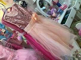 Vestidos. Niñas