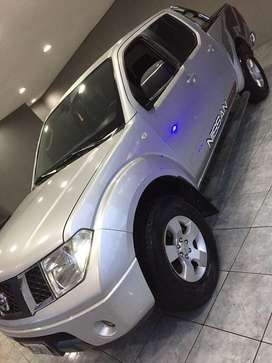 Vendo o permuto Nissan 4x4