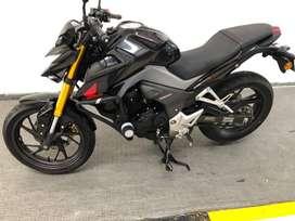 Vendo Honda 190R Negra