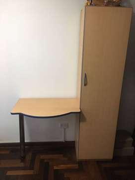 Mueble de madera + escritorio