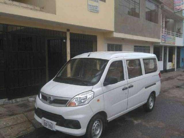 Alquiler de Minivan con conductor 0
