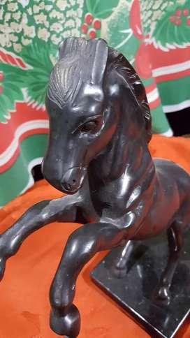 Vendo cambio escultura en bronce