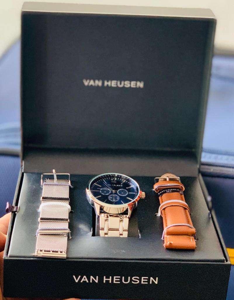 Reloj Van Heusen para Hombre 0