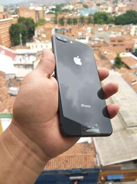 Se vende iphone 8 plus de 64gb