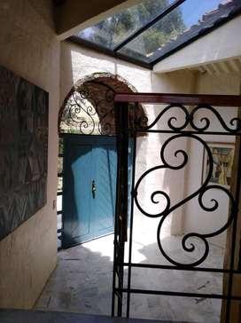 Se Arrienta Espectacular Casa, La Calera